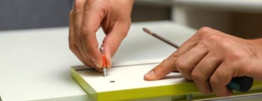 Mão de montador especializado em móveis planejados e móveis sob medida
